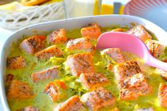 Ingas middagstips: Laks i karri. :) Dinner idea that the kids can make: Salmon in a curry sauce. Curry Sauce, Fish And Seafood, Quiche, Salmon, Food And Drink, Canning, Dinner, Breakfast, Dining
