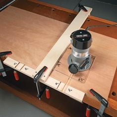 Easy Router Joinery. Routing dados and grooves with a shop made T-square and router base.