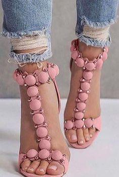 Alila – t-strap pom pom heels – Women's Shoes 2019 Shoe Chart, Beautiful Heels, Sandals Outfit, Wedges Outfit, Hot High Heels, Wedding Heels, Fashion Heels, High Fashion, Stiletto Heels