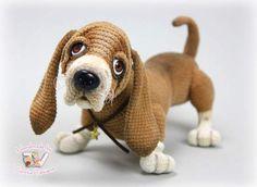 Basset Hound By Tatiana Vysota - Bear Pile Amigurumi Toys, Amigurumi Patterns, Softies, Basset Hound, Animal Sculptures, Crochet Toys, Textile Art, Dog Breeds, Dinosaur Stuffed Animal