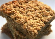 This is great for parties, snack, or just for you or the kids. It's tasty, chewy and if you have a sweet tooth then it's for you. Gourmet Recipes, Baking Recipes, Healthy Recipes, Meal Recipes, Healthy Snacks, Recipies, Banana Flapjack, Flapjack Recipe, Calories In Vegetables