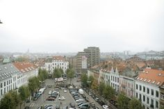 Guillaume Bottazzi : Künstler malt Riesengemälde in Brüssel