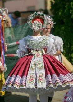 Costumes Around The World, Folk Clothing, Ethnic Outfits, Folk Dance, Folk Costume, Historical Costume, Eastern Europe, Ethnic Fashion, Beautiful Patterns