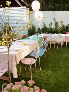 Pretty outdoor party | At Home in Love