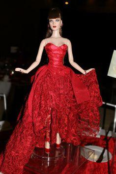 NY Times centerpiece - 15th Anniversary Tyler. LE 300   Tonner Doll Company