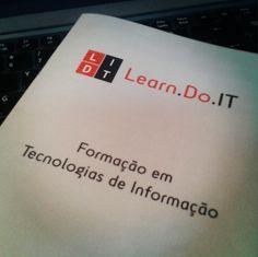 Formação Prezi! Apresentações fantásticas! http://www.carloscardoso.pt/formador/curso-prezi/