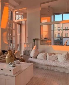 Maryam Nassir Zadeh's apartment ~ SLUFOOT - apartment. Appartement Design, Dream Apartment, Aesthetic Bedroom, Dream Rooms, My New Room, House Rooms, Home Decor Bedroom, Room Inspiration, House Design