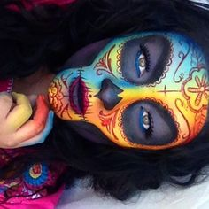 Ombré Rainbow Sugar Skull halloween makeup ideas looks inspo inspiration Dead Makeup, Skull Makeup, Crazy Makeup, Makeup Art, Makeup Ideas, Skeleton Makeup, Sfx Makeup, Halloween Makeup Looks, Halloween Make Up