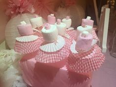 Marshmallows in skirts