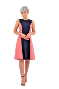 Simple and chic, this is our recommendation for a day-to-day dress. Please check our size chart before placing the order. If you have doubts or questions about it DO NOT HESITATE to contact us! We are here to help you! Day Dresses, Dresses For Work, Personal Branding, Line, Size Chart, This Is Us, This Or That Questions, Chic, Simple