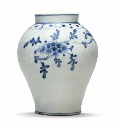 A blue and white porcelain jar, Joseon Dynasty, 19th century