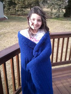 Learn how to crochet a blanket with an easy afghan pattern. This one is great for beginners! The blue color is awesome, too.