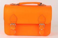 Kleuterboekentasje Zorrro fluo oranje - Hippe Schoentjes 99 euro