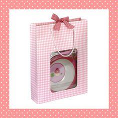 Lieve serviesset als kraamcadeau voor een meisje! http://dekinderkookshop.nl/product/cadeauset-meisje/