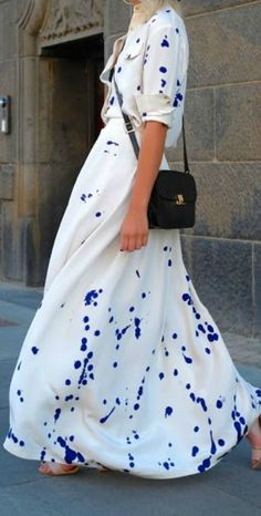 Fashion Week Packing Inspiration: Paint Splatter Maxi dress blue and white Looks Street Style, Looks Style, Looks Cool, Copenhagen Style, Copenhagen Fashion Week, Fashion Moda, Look Fashion, Womens Fashion, Street Fashion