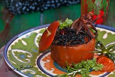 Dulce y Salado: Tomates Rellenos de Arroz Negro