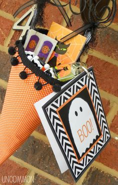"""How to """"Boo!"""" Your Neighbor {A Free Printable!} 
