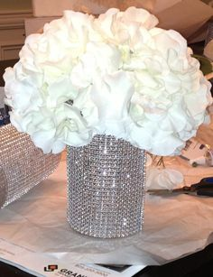 Ideas for wedding decorations elegant bling centerpiece ideas Bling Wedding Centerpieces, Bling Centerpiece, Diy Centerpieces, Wedding Bouquets, Wedding Flowers, Table Decorations, Reception Decorations, Trendy Wedding, Diy Wedding
