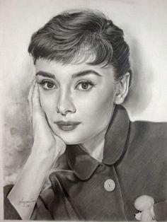 Audrey Hepburn Drawing by Michelle Seo (Hongmin) Audrey Hepburn Zeichnung, Audrey Hepburn Kunst, Audrey Hepburn Drawing, Realistic Pencil Drawings, Amazing Drawings, Pencil Art Drawings, Horse Drawings, Drawing Art, Portrait Au Crayon