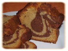 Mon mari avait envie de manger un gâteau marbré ... je lui ai donc donné ma recette de Cyril et voilà le résultat... pas mal du tout ... je suis épatée ... quand les hommes ont faim, ils sont capables de tout... Ingrédients ( pour 6 à 8 personnes ) :...