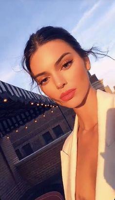 Kendall jenner style 737886720182737496 - Fashion girl selfie kendall jenner ideas Source by mjdivett Kendall Y Kylie Jenner, Kris Jenner, Kim Kardashian, Foto Casual, Jolie Photo, Makeup Inspiration, Pretty People, Scrubs, Makeup Looks
