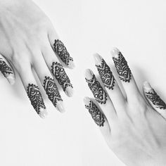 love this simple henna design for the fingers.