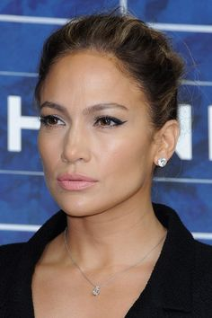 Jennifer Lopez - Chanel: Photocall - Paris Fashion Week Womenswear Spring / Summer 2013