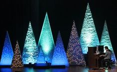 look at some awe-inspiring church staging and set ideas that prove creative designs don't require lots of money.A look at some awe-inspiring church staging and set ideas that prove creative designs don't require lots of money. Christmas Stage Decorations, Christmas Stage Design, Church Stage Design, Stage Set Design, Christmas Shows, Christmas Settings, Christmas Lights, Church Decorations, Christmas Trees