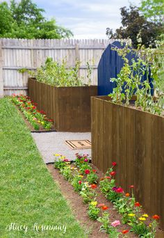 planter boxes that also act as a backyard fence! This DIY project was sponsored by @Thompsonswseal