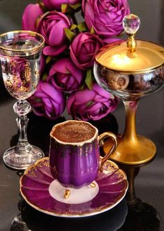 Coffee time ~~ my morning love! Time for a busy, fun day! Coffee Cafe, My Coffee, Coffee Drinks, Good Morning Coffee, Coffee Break, Chocolate Cafe, Retro Crafts, Breakfast Tea, Coffee Pictures