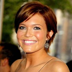 mandy moore short sleek hairstyle