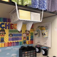 20 Amazing Teacher Hacks for the classroom from Classroom Hacks, New Classroom, Classroom Design, Kindergarten Classroom Layout, Classroom Storage Ideas, Art Classroom Decor, Teacher Classroom Decorations, Classroom Ideas For Teachers, Art Classroom Layout