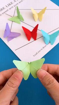 Paper Flowers Craft, Paper Crafts Origami, Paper Crafts For Kids, Flower Crafts, Origami Flowers, Paper Paper, Flower Oragami, Origami Gifts, Paper Candy