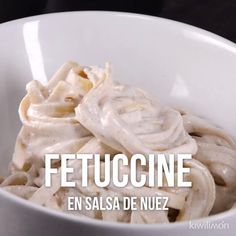 Esta deliciosa y cremosa pasta en salsa de nuez es perfecta para cenar o comer con la familia. Su rico sabor te conquistará.