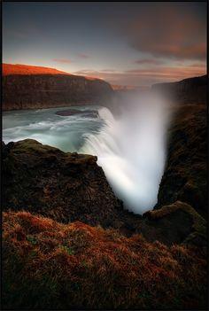 [ ... falling ] - Iceland  www.iceland-photo.com