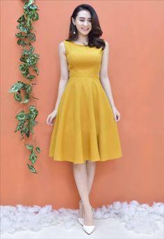 damvayxinh.net - Đầm xòe thời trang sát nách kết cườm màu vàng dễ thương Daytime Dresses, Modest Dresses, Casual Dresses, Short Dresses, Girls Dresses, Formal Dresses, Indian Designer Outfits, Designer Dresses, Dress Skirt
