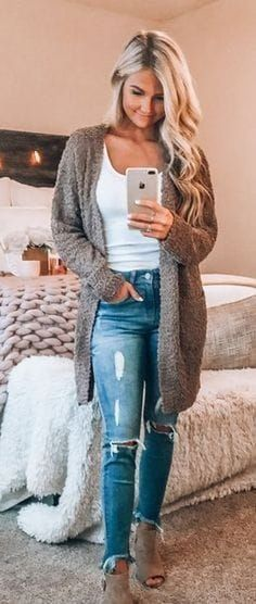 99 Perfect Fall Fashion Outfits Ideas To Copy Right Now Outfits 2019 Outfits casual Outfits for moms Outfits for school Outfits for teen girls Outfits for work Outfits with hats Outfits women Cute Spring Outfits, Fall Fashion Outfits, Casual Fall Outfits, Fall Fashion Trends, Fall Winter Outfits, Autumn Winter Fashion, Classy Outfits, Cute Cardigan Outfits, Cute Outfits With Jeans