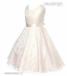 d37d2b8210 A(z) KOSZORÚSLÁNY RUHÁK nevű tábla 38 legjobb képe | Bridal gowns ...