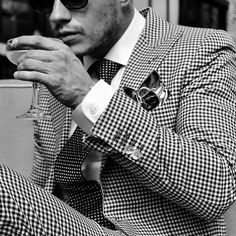 Men's Fashion tips. Dress with dapper and wear the proper attire with our men's style guide. Find male grooming advice, the best menswear and helpful tips. Suit Fashion, Look Fashion, Mens Fashion, Fashion Menswear, Fashion Photo, Gentleman Mode, Gentleman Style, Sharp Dressed Man, Well Dressed Men