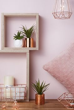 Resultado de imagen para red home styling Rose Gold Bedroom Accessories, Rose Gold And Grey Bedroom, Rose Gold Room Decor, Rose Gold Rooms, Copper Bedroom, Marble Bedroom, Bedroom Plants, Bedroom Decor, Bedroom Ideas