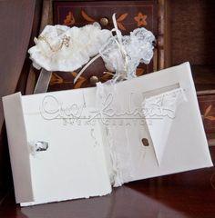 Lusso e atmosfere vintage per le partecipazioni della collezione luxury card by Cira Lombardo/Rondina