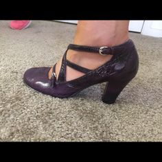 Deep purple aerosoles Only wore once. Super comfortable!! Great condition AEROSOLES Shoes Heels