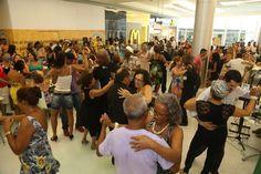 Todas as quintas-feiras, a partir das 18h, o Shopping Pátio Alcântara promove o 'Agenda Pátio Show', com o melhor da MPB. O evento tem entrada Catraca Livre e embala as noites com repertório que vai de cantores consagrados aos novos talentos da música popular brasileira.