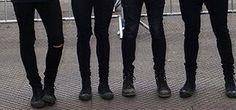 When I can tell whose legs are whose  Luke Calum Michael and Ashton