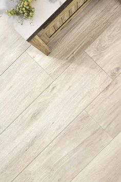 Hardwood Floors, Flooring, Vogue, Scandinavian Design, Tile Floor, Bright, Wood Floor Tiles, Wood Flooring, Tile Flooring