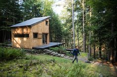A tech entrepreneur and his friends make a weekend community in the woods.