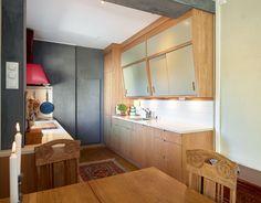 50-tallskjøkkenet var utslitt, men fint. Solveig designet et lignende – splitter nytt. - Aftenposten