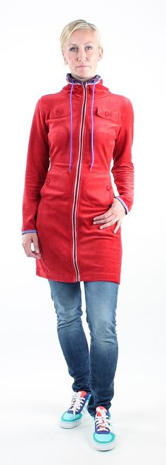 Sweatdress rood Hoera @zendeefashion ''stoere sportieve retro jurkjes'' krijgt het #HippeShopsLabel voor Hip & Safe online shoppen ✔ http://hippeshops.nl/hipparade @zendeefashion