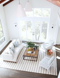 A Renovated Family Farmhouse in Woodside - Living Room