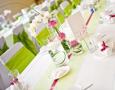 Grün-pinke Tischdeko